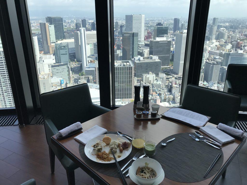 大阪康萊德酒店Atmos Dining-餐廳可盡覽大阪都市景致