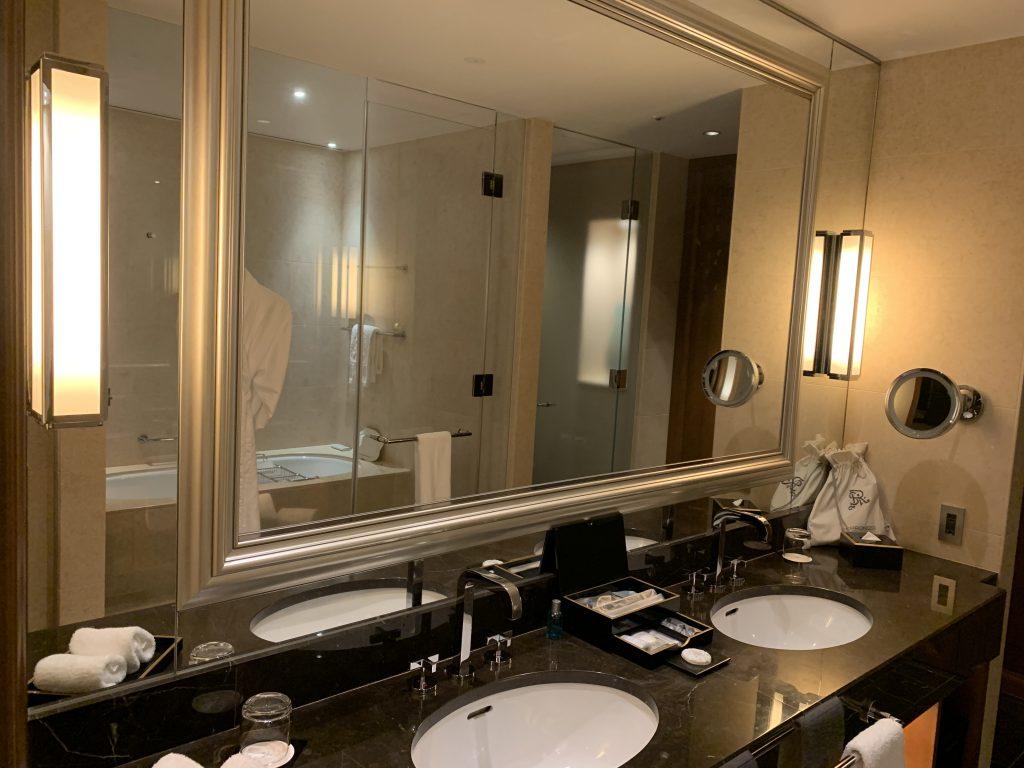 The St. Regis Osaka-浴室有兩個洗手盆