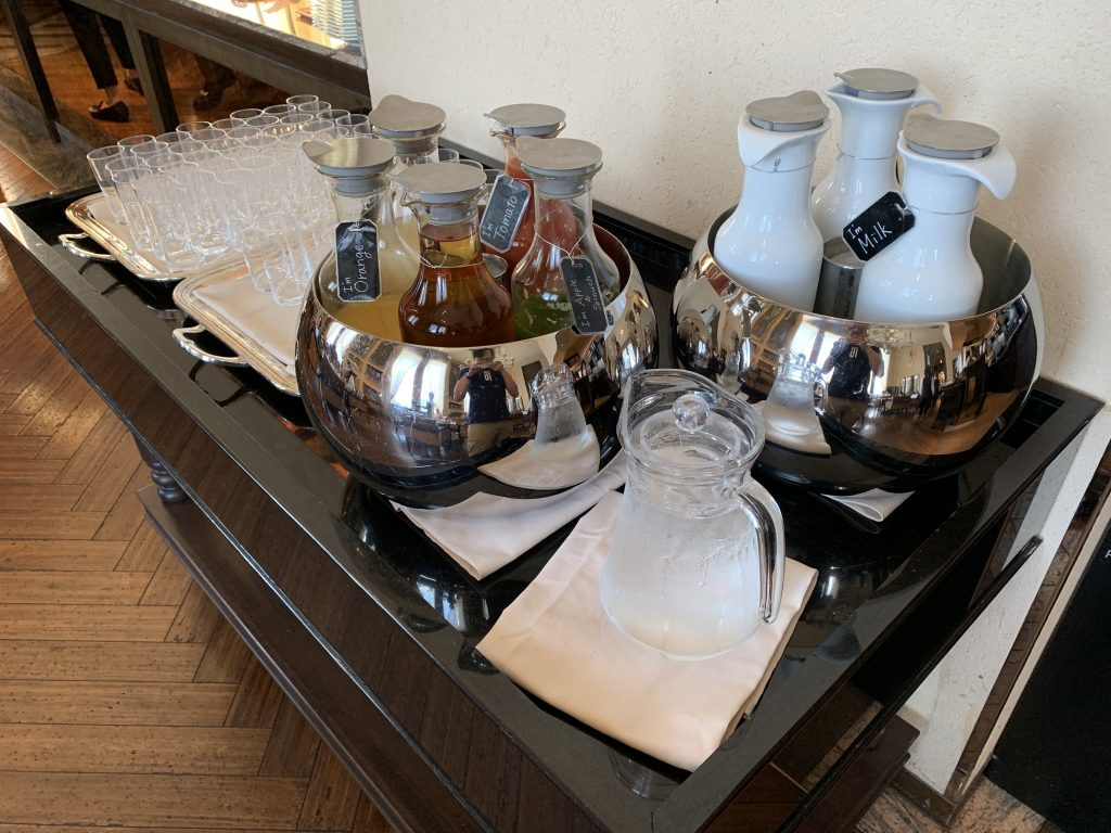 The St. Regis Osaka La Veduta 餐廳-果汁及牛奶
