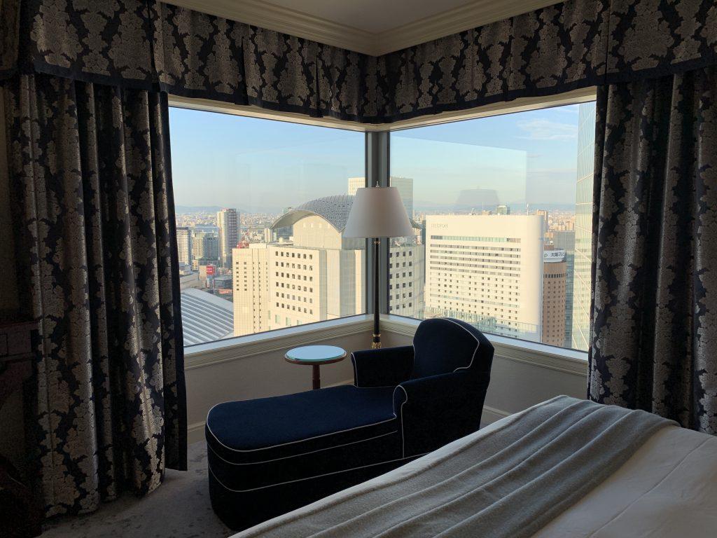 The Ritz-Carlton Osaka-躺在貴妃椅欣賞景色,實在正