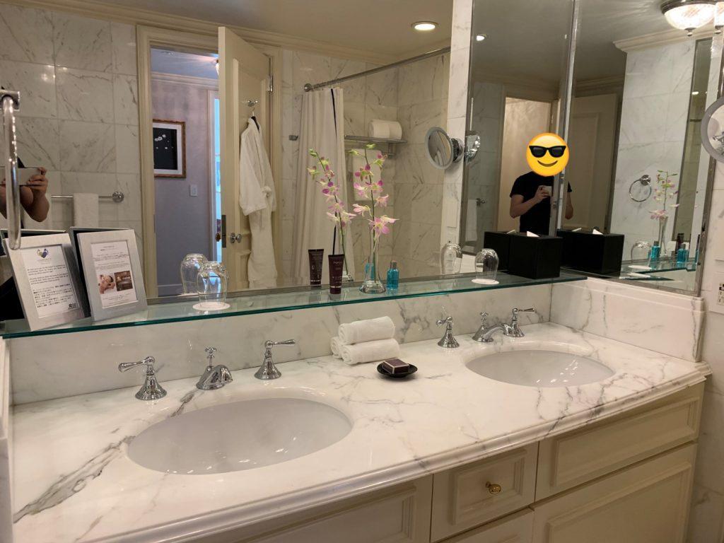 大阪麗思卡爾頓酒店-浴室有兩個洗手盆
