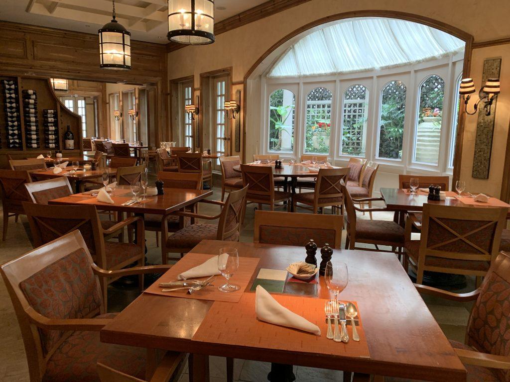 大阪麗思卡爾頓酒店Splendido餐廳-漂亮白窗