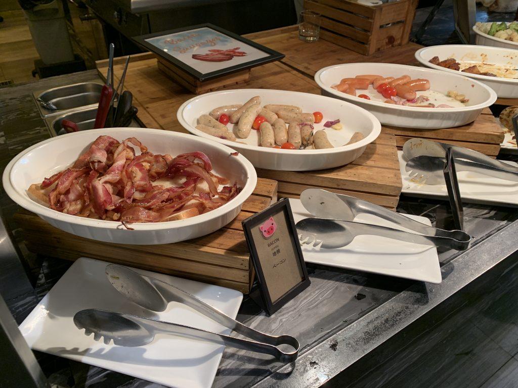 Hilton Sukhumvit Bangkok Scalini 餐廳-西式煙肉及香腸