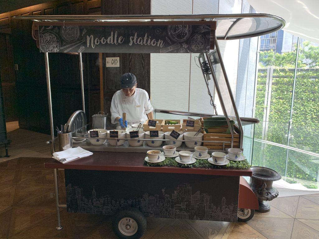 曼谷希爾頓素坤逸酒店Scalini餐廳-泰式湯河即叫即煮