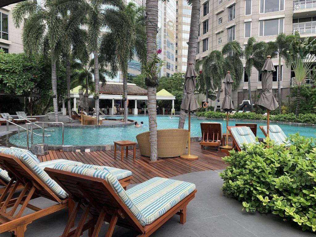 曼谷港麗酒店-室外泳池