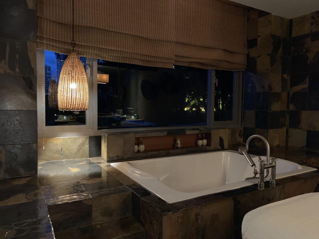 曼谷港麗酒店-Spa房間提供浴缸