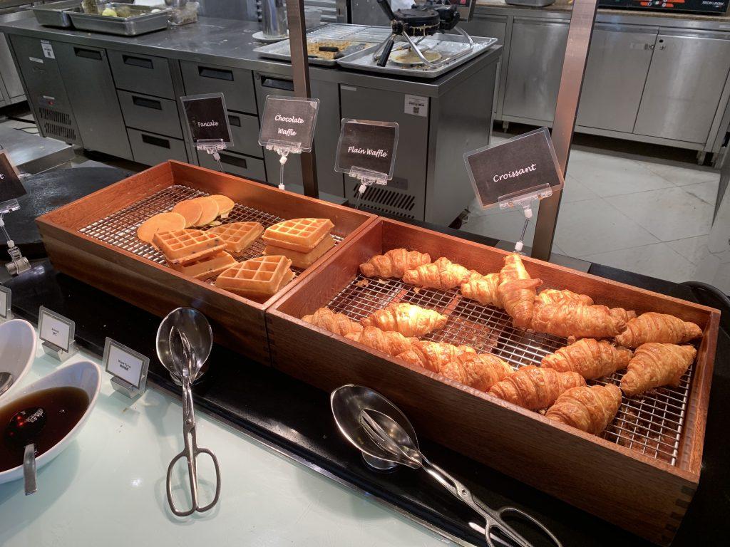 香港天際萬豪酒店天際咖啡室-熱香餅、窩夫及牛角包