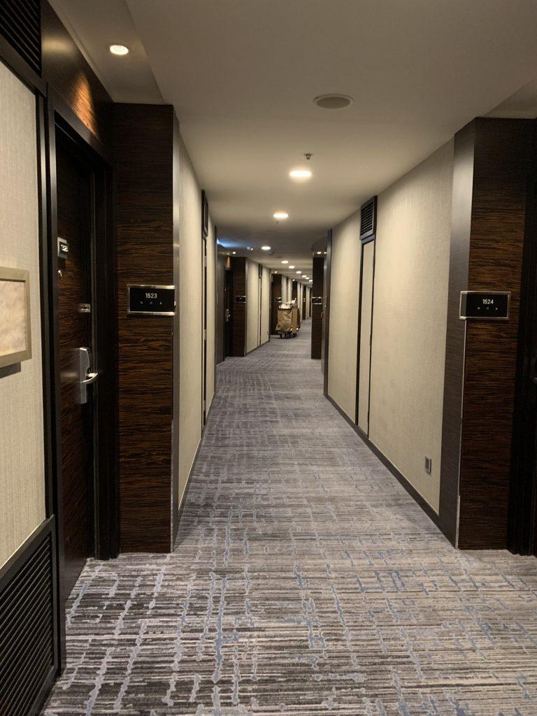 香港天際萬豪酒店-客房走廊光猛無阻