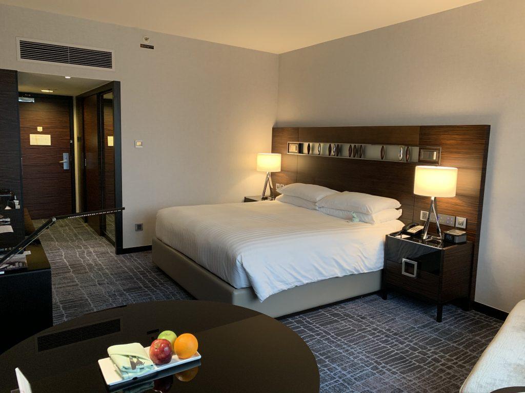 香港天際萬豪酒店-房間風格沉實平穩