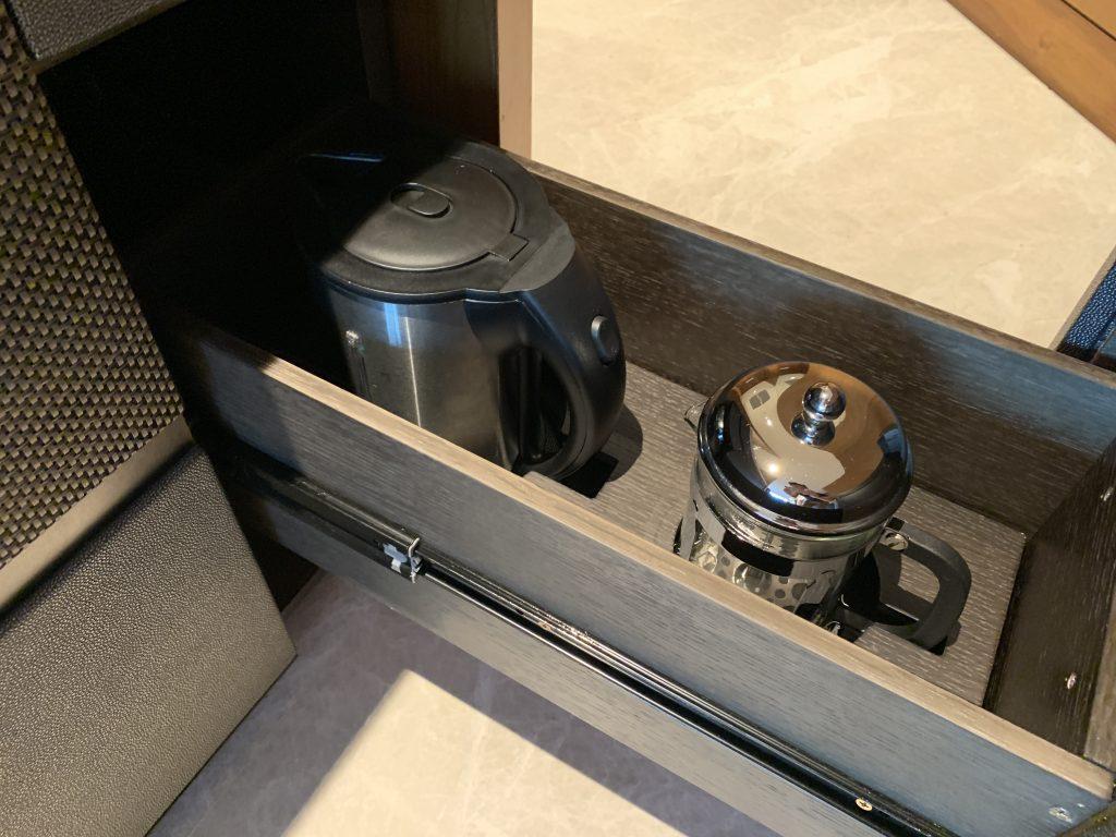 曼谷港麗酒店-熱水壺和茶壺