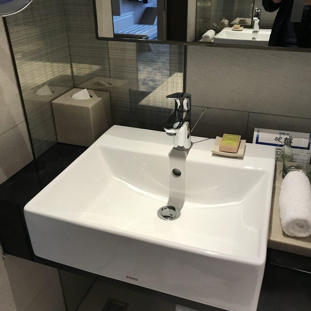 Hilton Taipei Sinban-浴室洗手盆