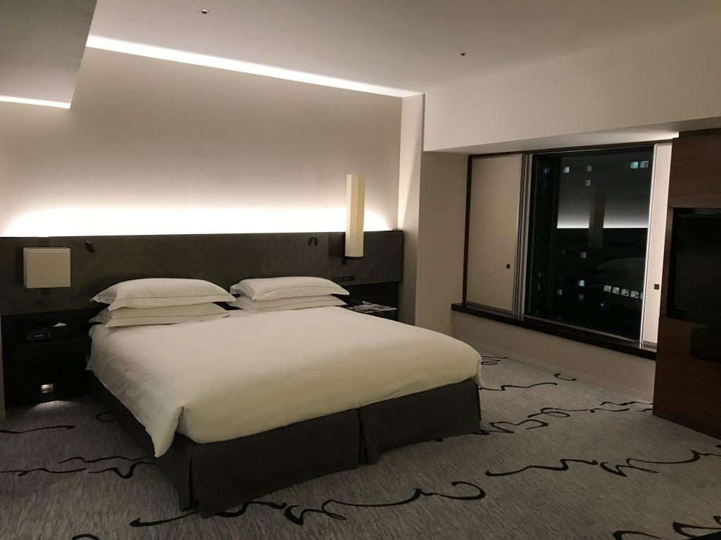 東京希爾頓酒店-套房的King Size床褥