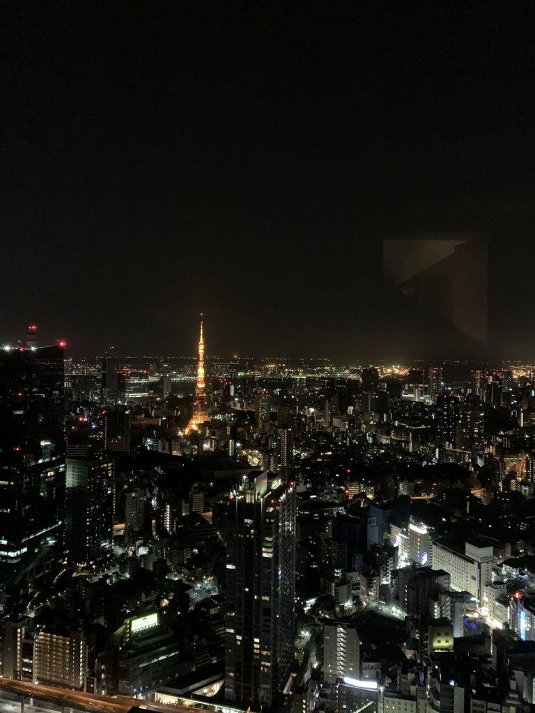 The Ritz-Carlton Tokyo-套房客廳一樣可欣賞東京都市景致