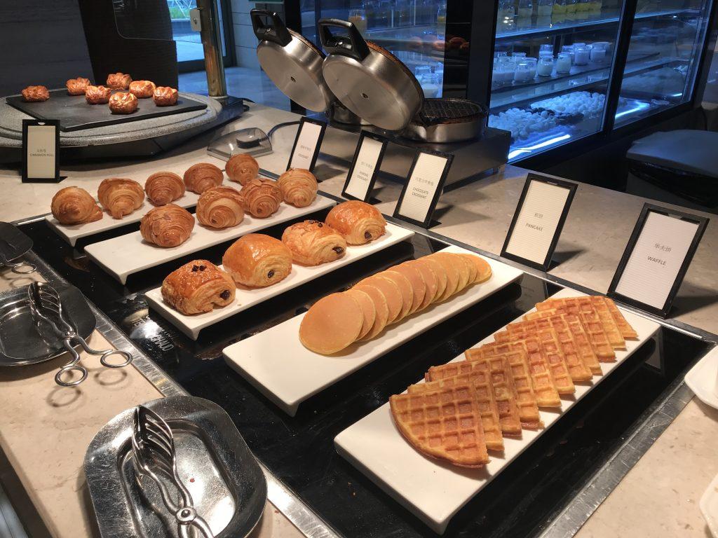 深圳蛇口希爾頓南海酒店Kitchencraft廚藝餐廳-牛角包、熱香餅及窩夫