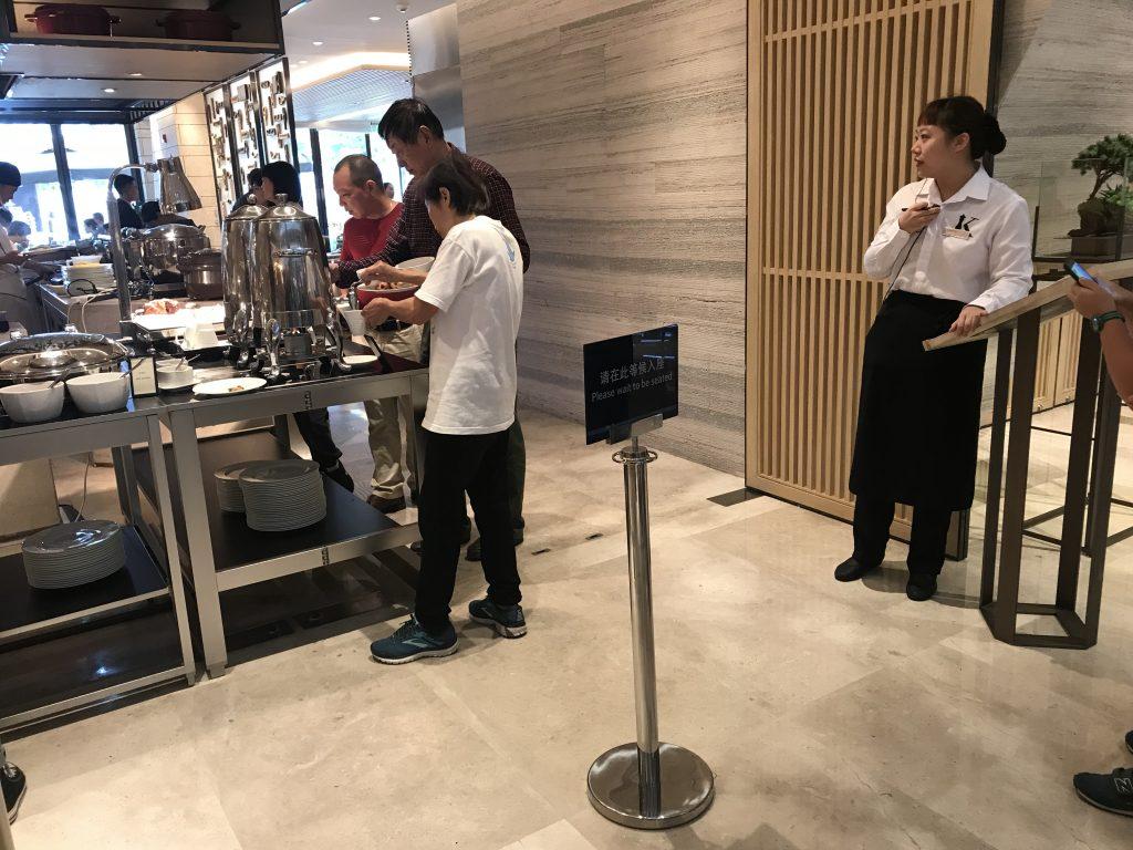 深圳蛇口希爾頓南海酒店Kitchencraft廚藝餐廳-早餐要排隊,weekend可食到11點