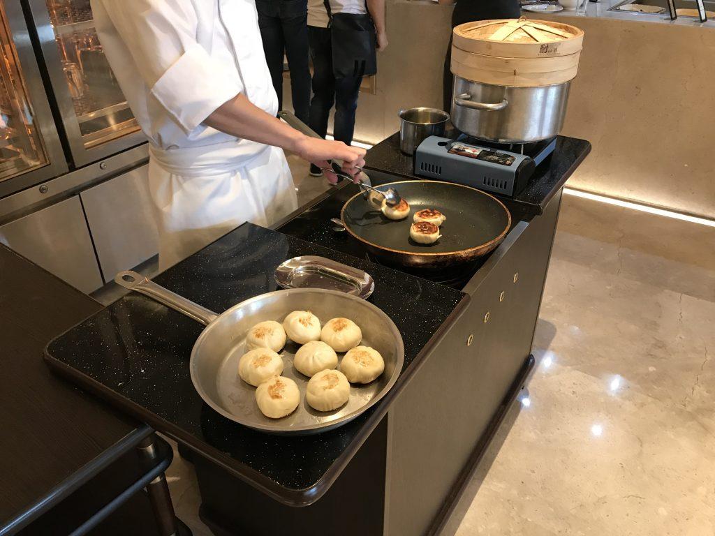 深圳蛇口希爾頓南海酒店Kitchencraft廚藝餐廳-即叫即煮的生煎包