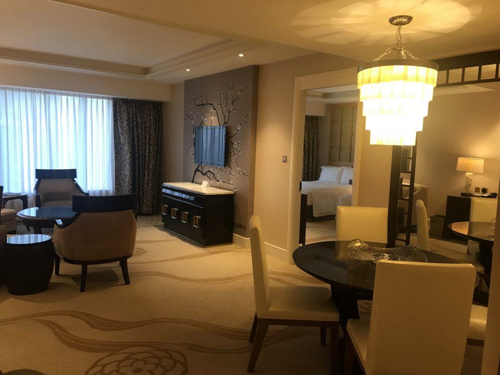澳門金沙城中心康萊德酒店-客廳右邊是飯桌區
