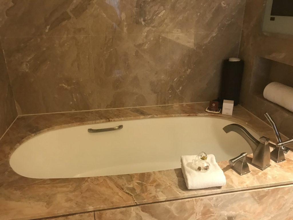 Conrad Macao Cotai Central-浴缸
