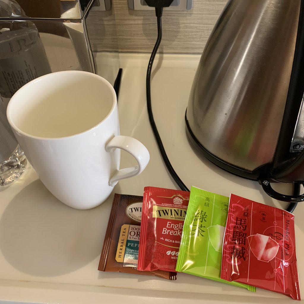 香港萬麗海景酒店-房間餐飲吧有各款茶包