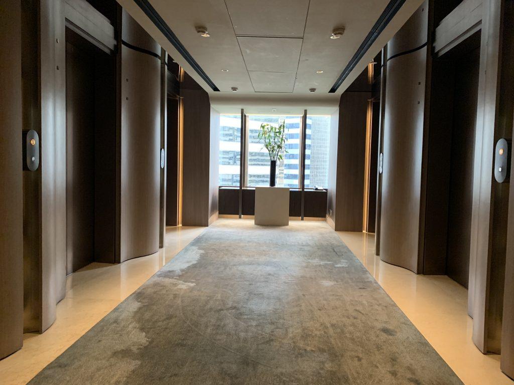 香港萬麗海景酒店設施-樓層走廊