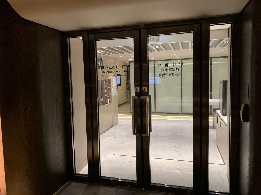 香港萬麗海景酒店設施-酒店健身中心入口
