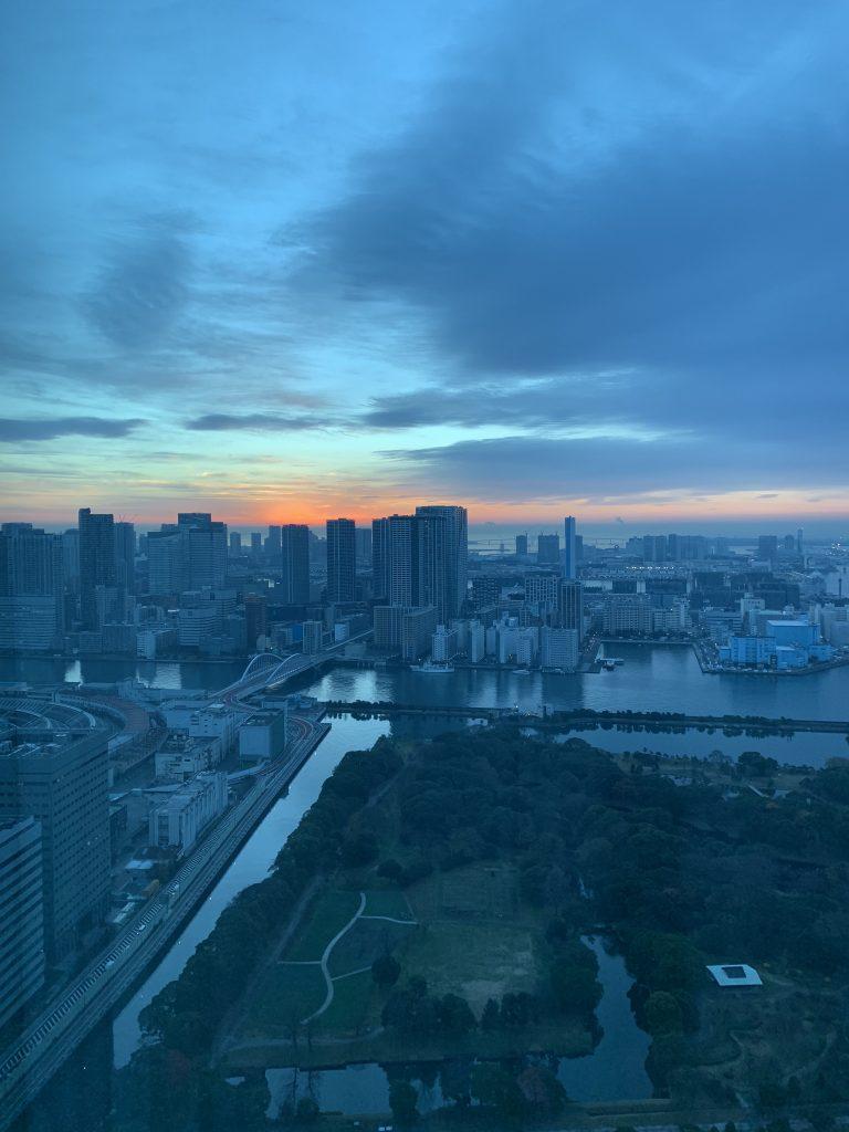 東京康萊德酒店-房間面向東京灣,夠早起身的話連日出都睇到