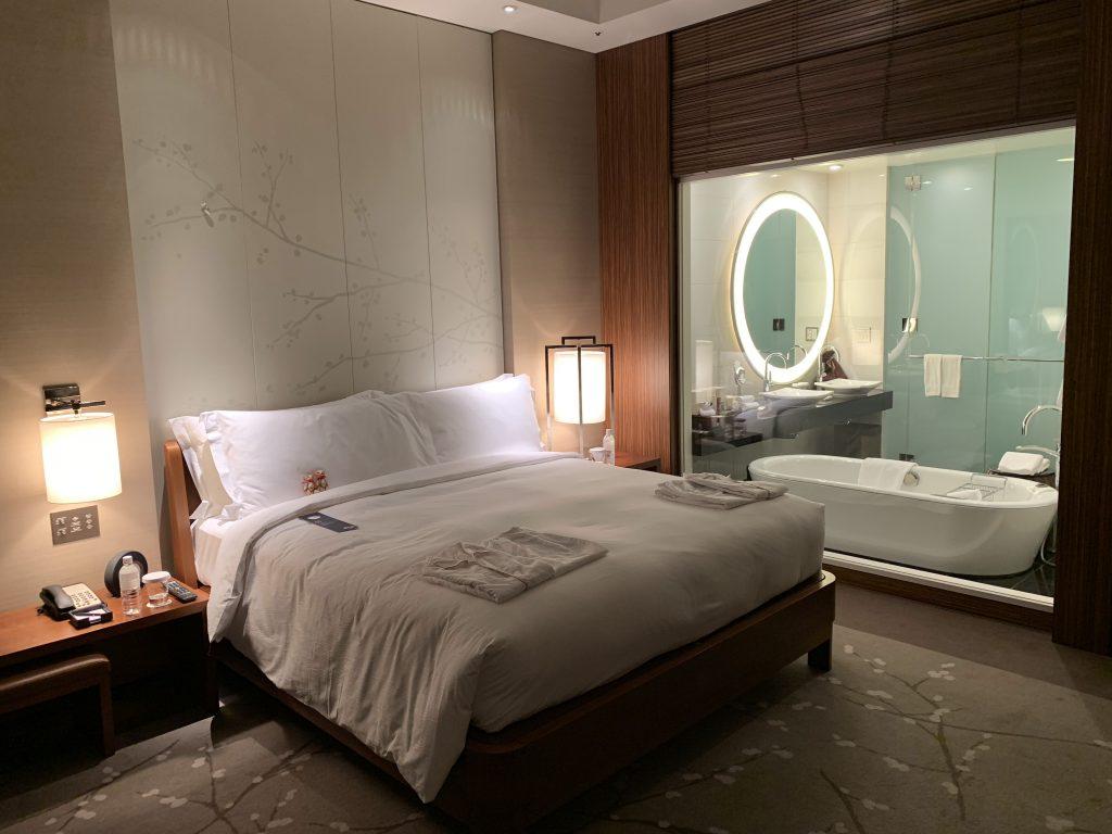 Conrad Tokyo-浴室面向房間