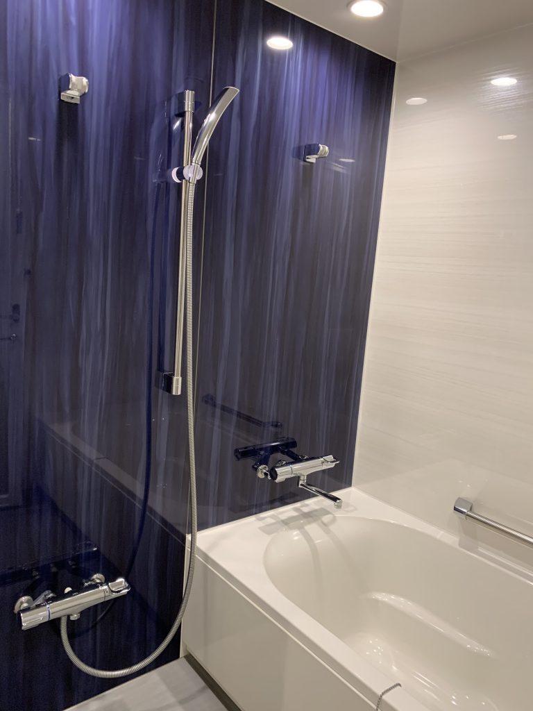Sheraton Grande Tokyo Bay Hotel-浴室淋浴設備和浴缸共處一室