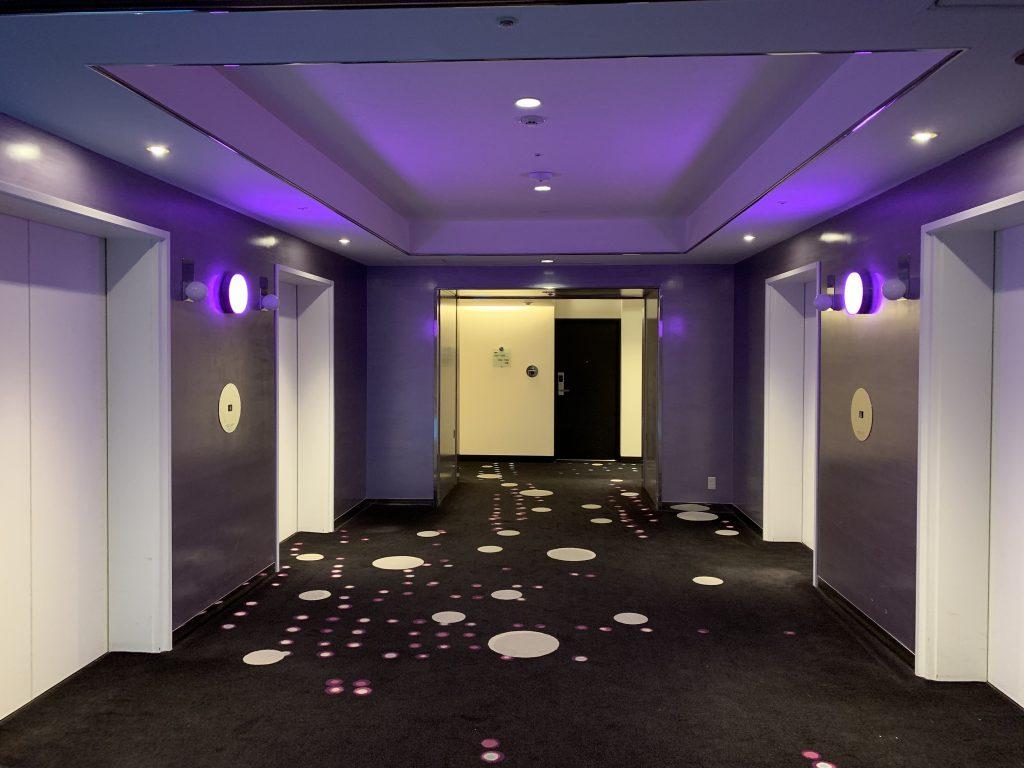 東京灣希爾頓酒店-Celebrio客房樓層升降機區域