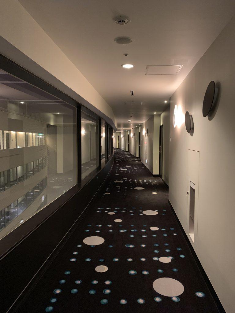 東京灣希爾頓酒店-Celebrio客房樓層走廊