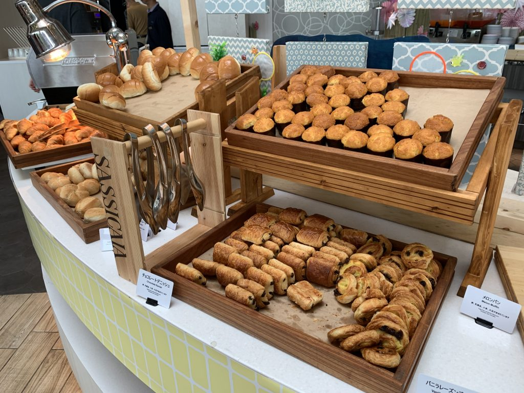 東京灣希爾頓酒店Lounge O-早餐有麵包西餅