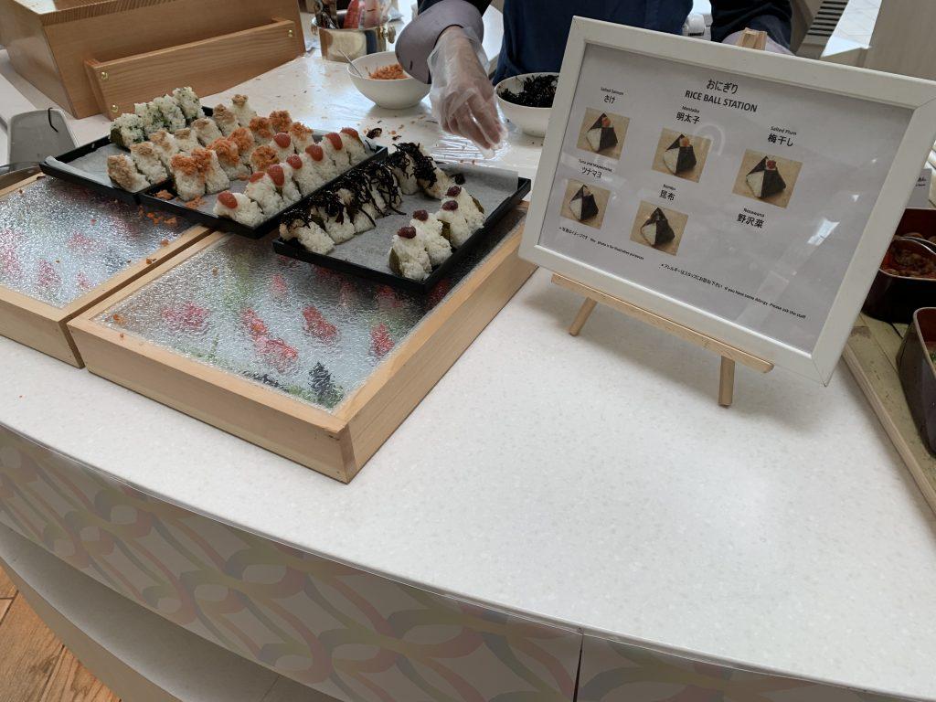 Hilton Tokyo Bay Lounge O-早餐一樣有Rice Ball Station提供日式飯糰