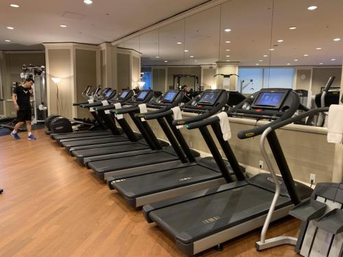 健身中心的跑步機