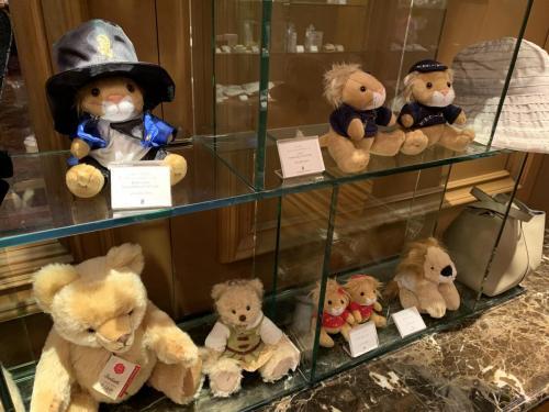 BOUTIQUE商店有各種官方紀念品