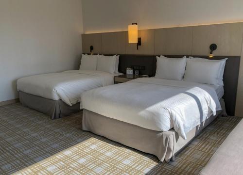 房間空間寬敞,最多可容納4人