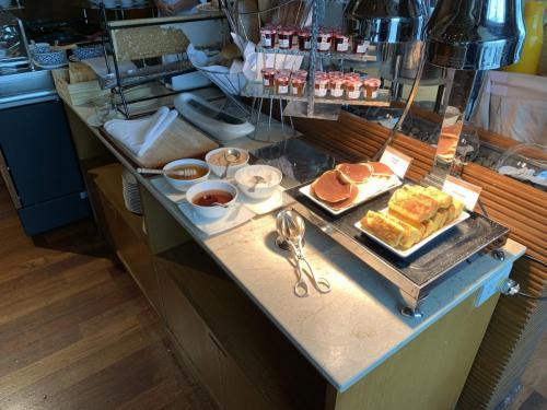 西式早餐-熱香餅及多士