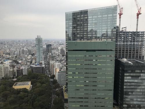 窗外的東京都市景致
