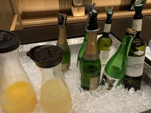 Happy Hour果汁和酒品