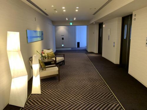 酒店客房電梯間
