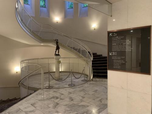 酒店旋轉樓梯