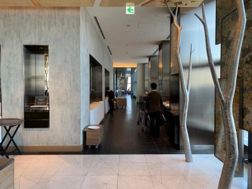 餐廳入座區走廊