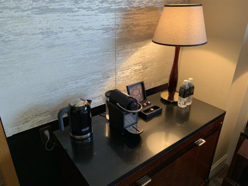 餐飲吧有熱水壺、Nespresso 咖啡機、咖啡膠囊及免費樽裝水