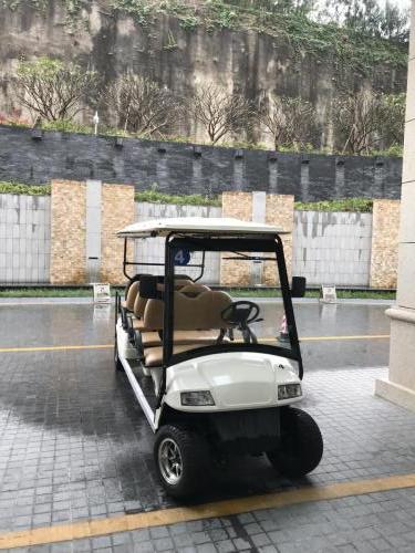 酒店設有高爾夫球車往返主樓及南海翼