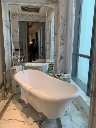除淋浴室外仲有景觀浴缸IG KOL打卡一流啦