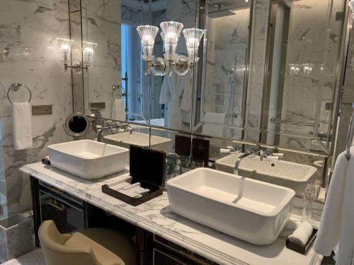 珠海瑞吉Deluxe room-浴室