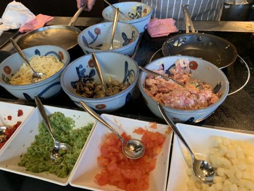 早餐有即叫即煮西式奄列,可自選配菜