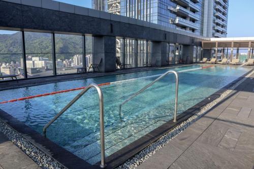泳池,仲有躺椅可以曬下太陽
