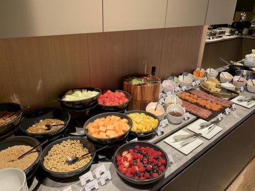 水果、沙律、冷盤咩都有